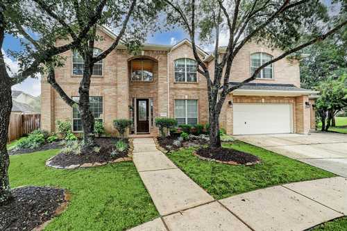 $469,900 - 5Br/5Ba -  for Sale in Summerwood, Houston