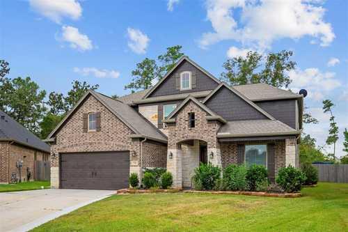 $489,999 - 4Br/4Ba -  for Sale in Barton Creek Ranch, Conroe