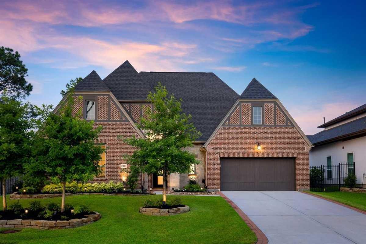 $830,000 - 3Br/4Ba -  for Sale in Creekside Park West Sec 40, The Woodlands