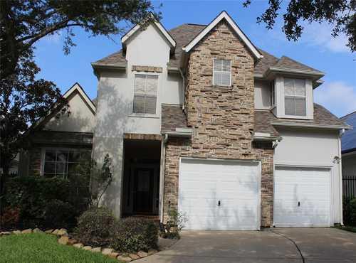 $409,000 - 3Br/3Ba -  for Sale in Austin Park Courtyard Homes Sec 1, Sugar Land