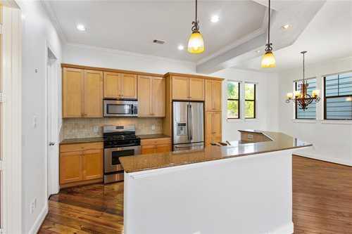 $380,000 - 3Br/4Ba -  for Sale in Charleston Terrace, Houston