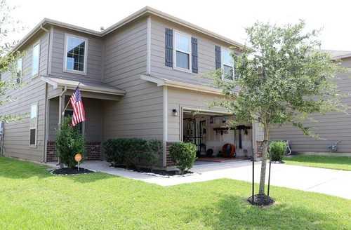 $279,000 - 3Br/3Ba -  for Sale in Southridge Crossing, Houston