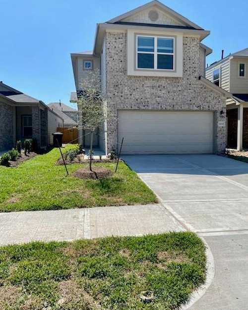$249,790 - 4Br/3Ba -  for Sale in South Meadow Place, Houston