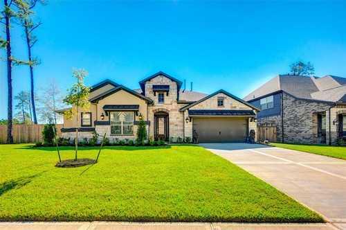 $549,000 - 4Br/3Ba -  for Sale in Woodtrace, Pinehurst