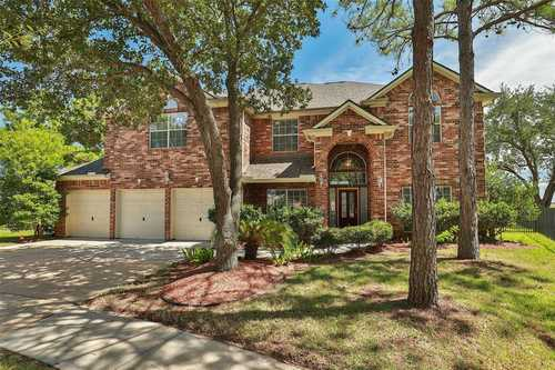 $400,000 - 5Br/4Ba -  for Sale in Stone Gate, Houston