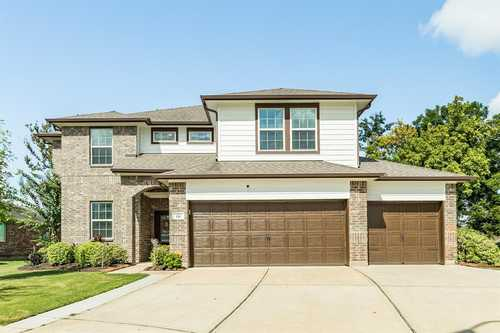 $399,000 - 4Br/4Ba -  for Sale in Woodshore, Clute