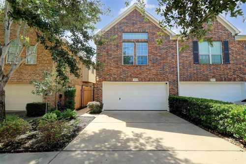 $620,000 - 3Br/3Ba -  for Sale in College Court Place, Houston