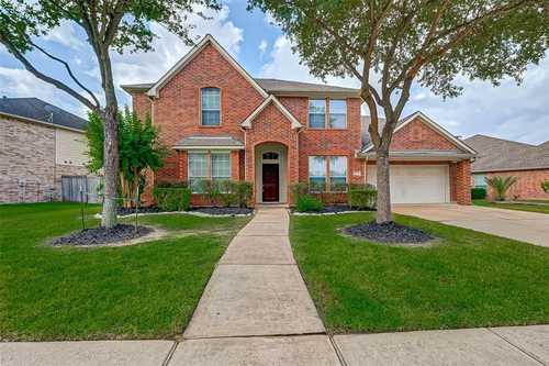 $359,900 - 4Br/4Ba -  for Sale in Berkshire Sec 05, Houston