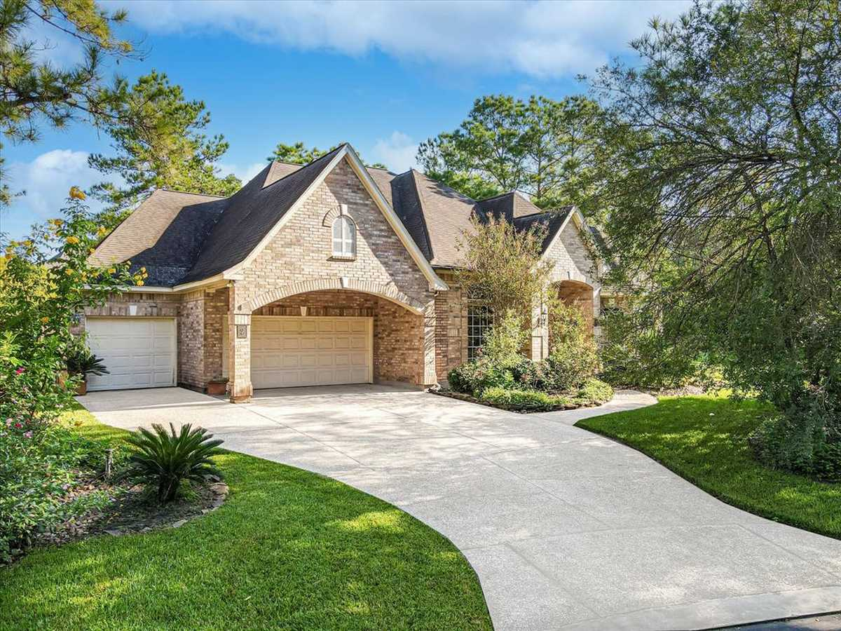 $695,000 - 3Br/3Ba -  for Sale in Wdlnds Village Panther Ck 38, The Woodlands