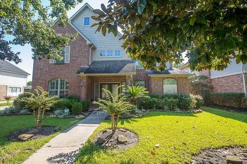 $375,900 - 4Br/3Ba -  for Sale in Summerwood Sec 07, Houston