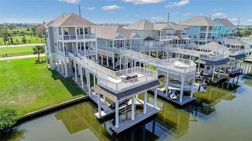 $850,000 - 3Br/3Ba -  for Sale in Villas At Lafittes Cove, Galveston
