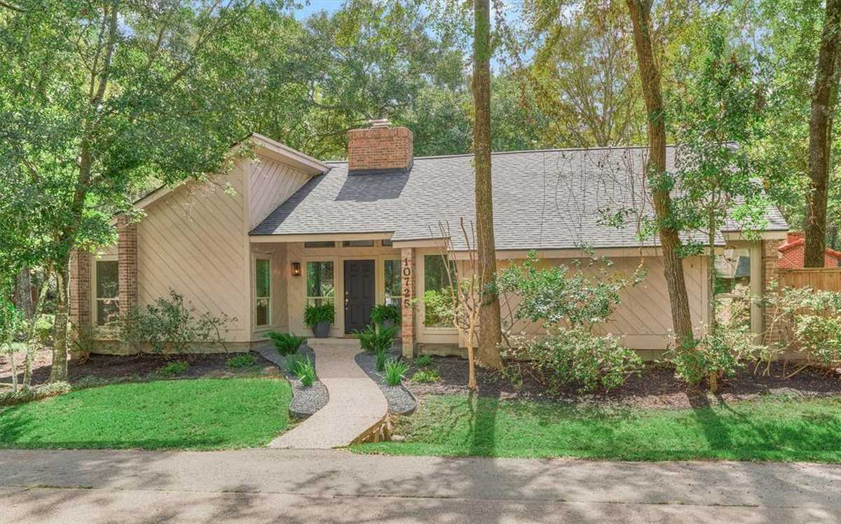 $509,000 - 3Br/3Ba -  for Sale in The Woodlands Grogans Mill, The Woodlands