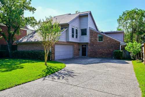 $735,000 - 4Br/3Ba -  for Sale in Mylla Court, Bellaire