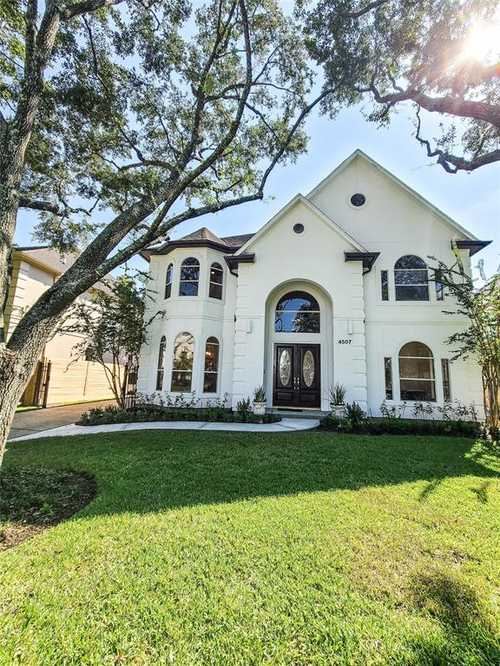 $1,250,000 - 5Br/5Ba -  for Sale in Merrell View Place, Bellaire