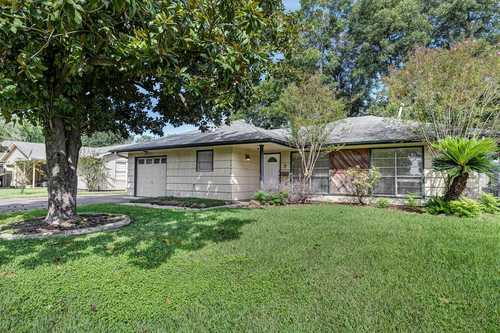 $225,000 - 3Br/2Ba -  for Sale in Cole Creek Manor Sec 01, Houston