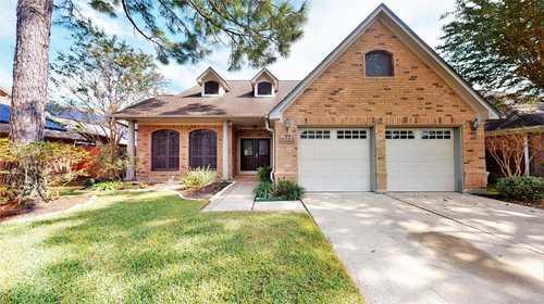 $349,000 - 3Br/3Ba -  for Sale in Meadowgreen, Houston