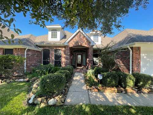$435,000 - 4Br/3Ba -  for Sale in Cypress Crk Lakes Sec 06, Cypress