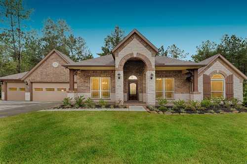 $423,990 - 4Br/2Ba -  for Sale in Deer Pines, Conroe