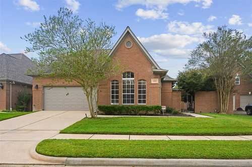 $379,000 - 2Br/2Ba -  for Sale in Bay Forest, Houston