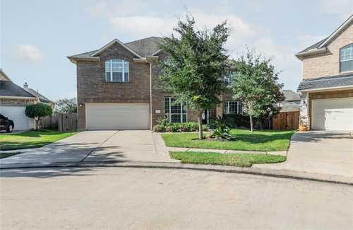 $434,000 - 4Br/4Ba -  for Sale in Shadow Creek Ranch Sf1-sf2-sf3, Pearland