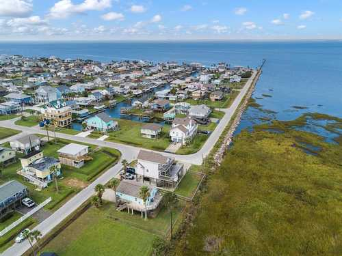 $299,000 - 2Br/2Ba -  for Sale in Sea Isle 2, Galveston