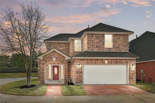 $350,000 - 4Br/3Ba -  for Sale in Hearthstone Green Sec 06, Houston
