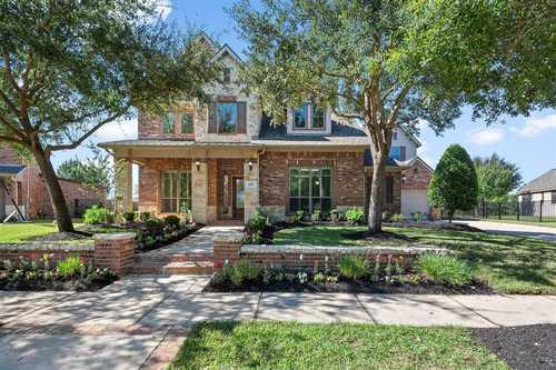 $739,000 - 4Br/4Ba -  for Sale in Bridgeland, Cypress