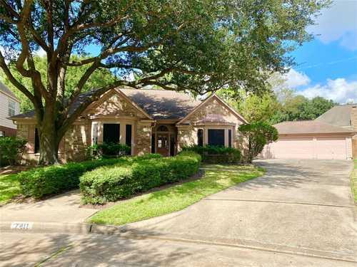 $300,000 - 3Br/2Ba -  for Sale in Copperfield Southdown Village, Houston