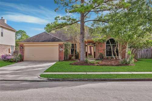 $325,000 - 4Br/2Ba -  for Sale in Northfork Sec 01, Houston