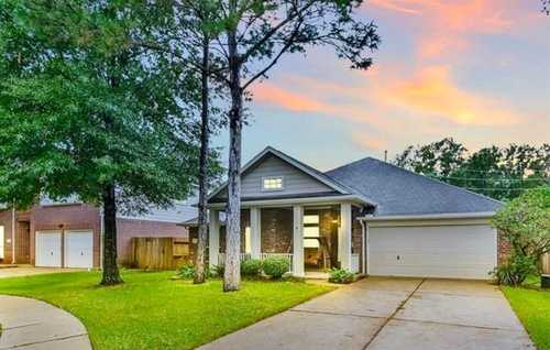 $299,900 - 3Br/2Ba -  for Sale in Summerwood Sec 18, Houston