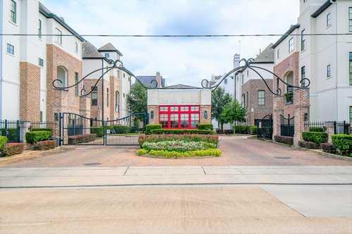 $276,888 - 2Br/3Ba -  for Sale in Fannin Station Sec 2 Rep 1, Houston
