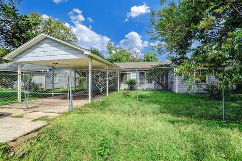 $174,900 - 3Br/2Ba -  for Sale in Weyburn Place Sec 02, Houston