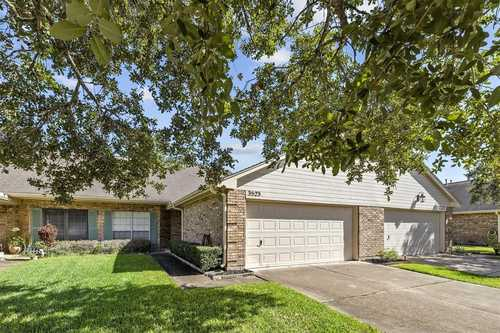 $199,000 - 2Br/2Ba -  for Sale in Country Grove Twnhms Sec 5, Pearland