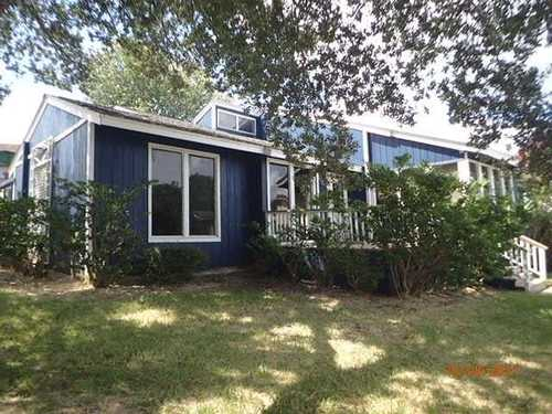 $276,900 - 3Br/2Ba -  for Sale in April Point North, Conroe