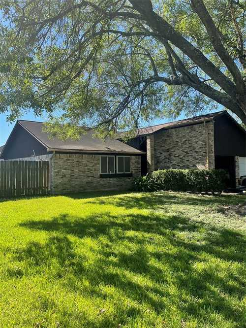 $175,000 - 3Br/2Ba -  for Sale in Pipers Meadow Sec 02, Houston