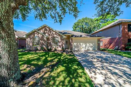 $255,000 - 3Br/2Ba -  for Sale in Atascocita Forest Sec 16, Humble