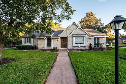 $291,000 - 4Br/2Ba -  for Sale in Glenshire Sec 06, Houston