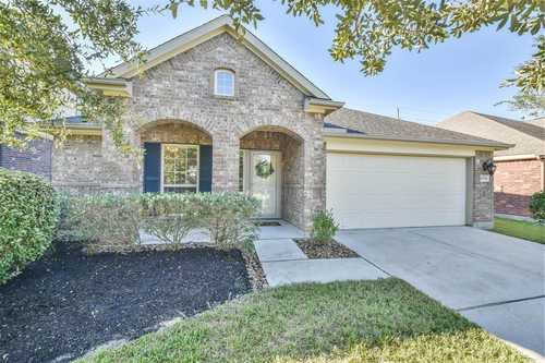 $315,000 - 4Br/2Ba -  for Sale in Wildwood At Oakcrest North, Cypress