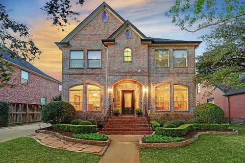 $1,022,500 - 4Br/5Ba -  for Sale in Braes Oaks, Houston