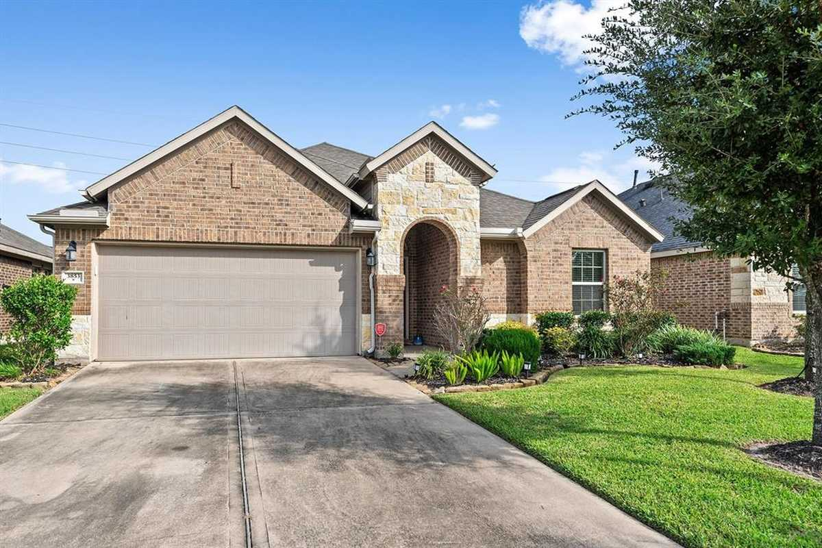 $300,000 - 3Br/2Ba -  for Sale in Falls At Imperial Oaks, Spring