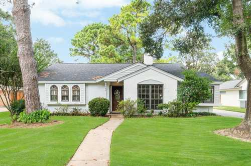 $379,900 - 3Br/2Ba -  for Sale in Springs Shadows, Houston