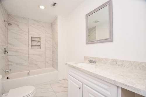 $165,000 - 3Br/3Ba -  for Sale in Fidelity, Houston