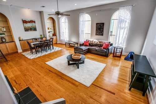$389,999 - 2Br/3Ba -  for Sale in Stratford, Houston