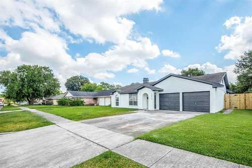 $225,000 - 3Br/2Ba -  for Sale in Kirkwood Sec 07, Houston