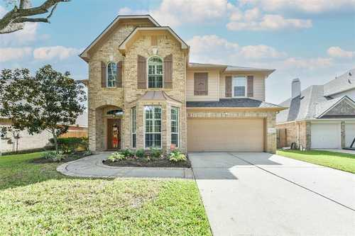 $377,500 - 5Br/4Ba -  for Sale in Victory Lakes, League City
