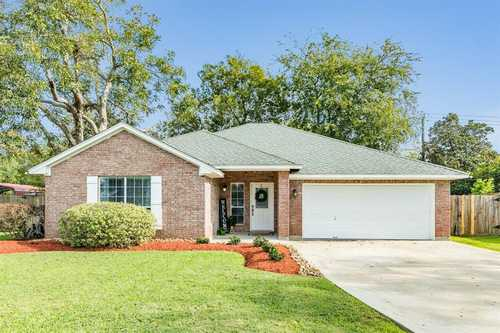 $269,900 - 3Br/2Ba -  for Sale in Oyster Bend, Lake Jackson