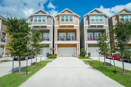 $475,000 - 3Br/4Ba -  for Sale in Landing/19th, Houston