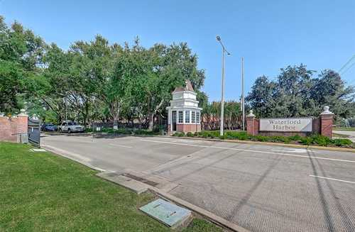 $415,000 - 3Br/3Ba -  for Sale in The Arbors At Waterford Harbor, Kemah