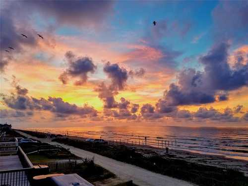 $560,000 - 2Br/2Ba -  for Sale in Bermuda Beach, Galveston