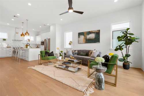 $499,999 - 3Br/4Ba -  for Sale in Spring Valley Point, Houston